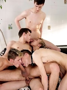 Hot twinks Jace Reed and Brad Fitt takes three...